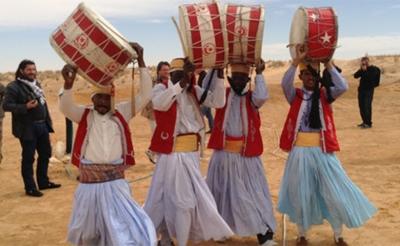 جريدة المغرب   السياحة الصحراوية موسم واعد:  تطور العائدات السياحية بـاليورو مازال دون 2010